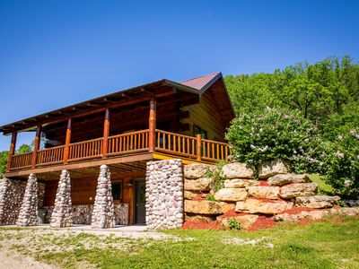 Photo for Secluded Family Friendly Cabin 5 minutes from Mississippi River and Lansing!