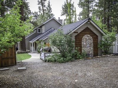 Photo for 3 Bedroom, 3 Bath, Sleeps 8 with Spa and BBQ