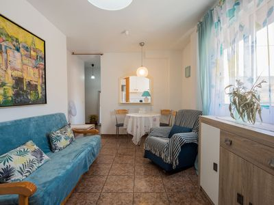 Photo for Beautiful apartment for 5 people with WIFI, A/C, TV, balcony and parking