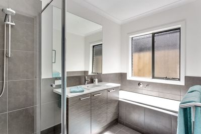 All New Bathroom - Once Upon A Tide - Good House Holiday Rentals