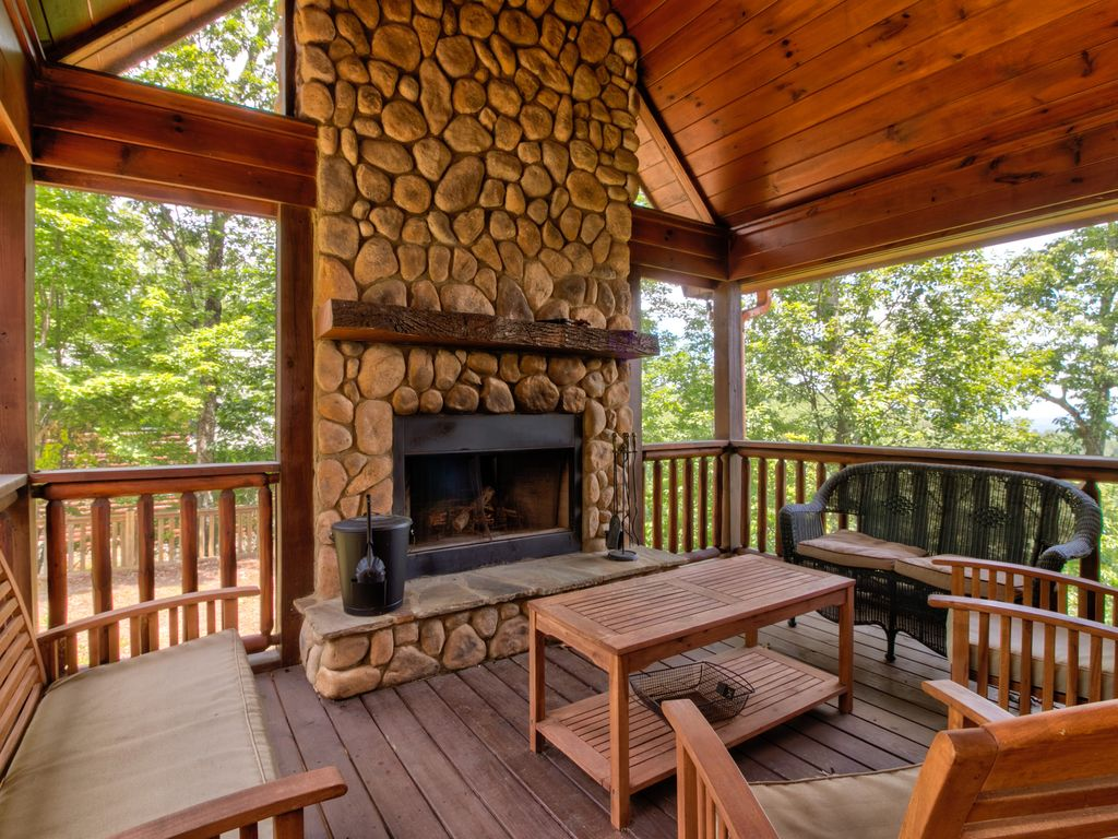 Modern Log Cabin ~ Modern log cabin w gorgeous views game room pool