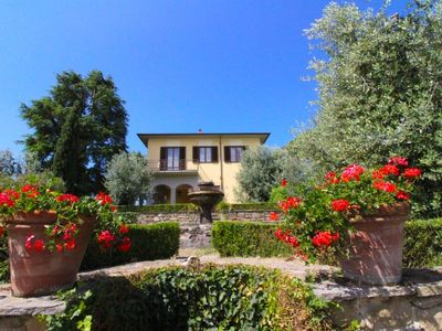 Photo for Villa with private pool and Tennis Court. Free Wi-Fi. Monte San Savino walking distance.