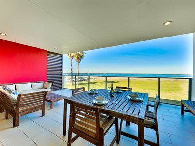 Modern Oceanfront Condo, Views & Steps to Beach!