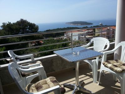 Photo for Two bedroom apartment with balcony and sea view Bilo (Primošten)