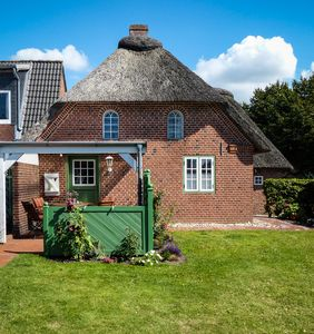 Photo for Holidays under thatch in Stormstadt Husum 4 STARS ****