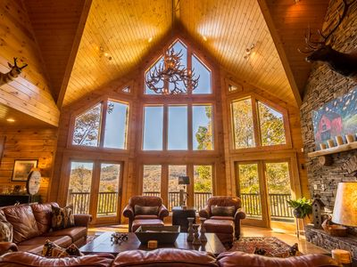 A High Country Retreat - Luxury Boone home on 10 acres with hot tub & pool table