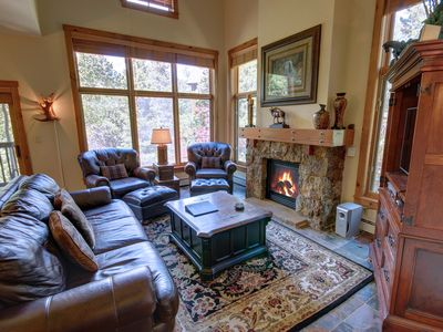 Photo for Season 1851 Rustic, Spacious 4 Bdrm by Summitcove Lodging