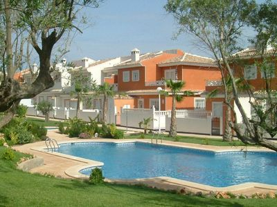 Photo for Quesada Villa, Sleeps 8, with shared communal pool. 10 mins drive to beach.