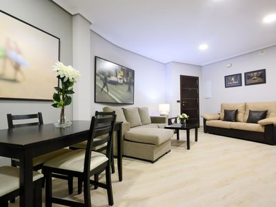 Photo for Caño apartment in Córdoba with WiFi, integrated air conditioning & private parking.