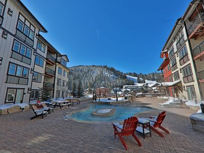 Photo for Prime location in the villiage! Walk to resturants and lifts.