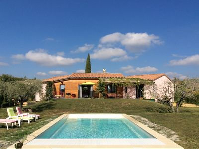 Photo for Villa with pool near Vaison la Romaine