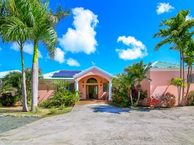 Photo for Beautiful Tropical Vacation Home ~ Walk To Two Beaches, Restaurants And Marina