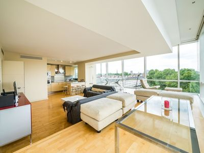 Photo for NEW Stunning 2BD Apartment Amazing London Views
