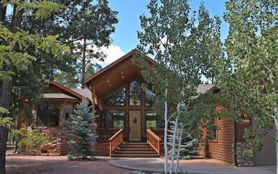 Photo for Elegant Cabin in Gated Community!