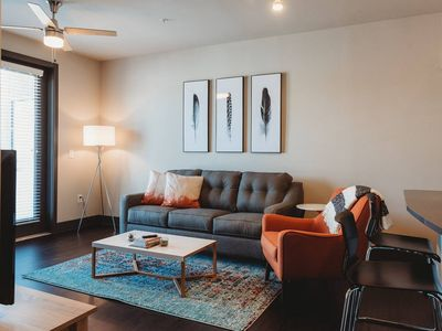 Photo for Luxury 1 bedroom in modern property in E. Austin.
