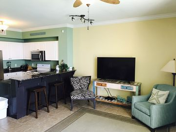 Oceanfront*Platinum*Free Beach Chairs+Umbrella+WIFI*Sleeps 8*Walk to Pier Park!