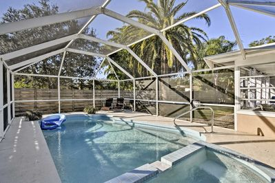 Restore your sense of peace while retreating at this Sarasota vacation rental house!