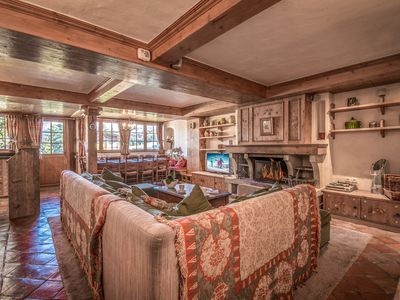 Photo for Ski in/out apartment with 5 bedrooms in Courchevel