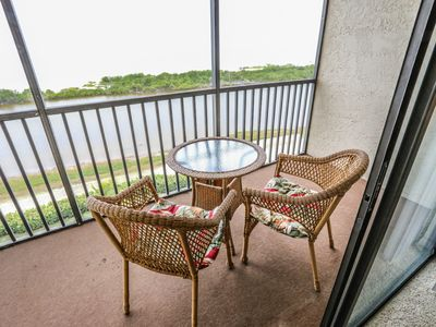 Welcome to Terra Mar, your luxurious tropical getaway in paradise. This resort-style condo has 2 bedrooms and 2 baths with generous square footage.