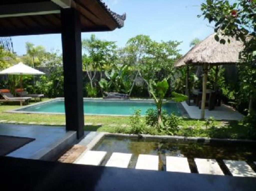 Canggu/batubelig, Beautiful Villa, Near Beach, Pool, Garden, Staff, Driver    North Kuta