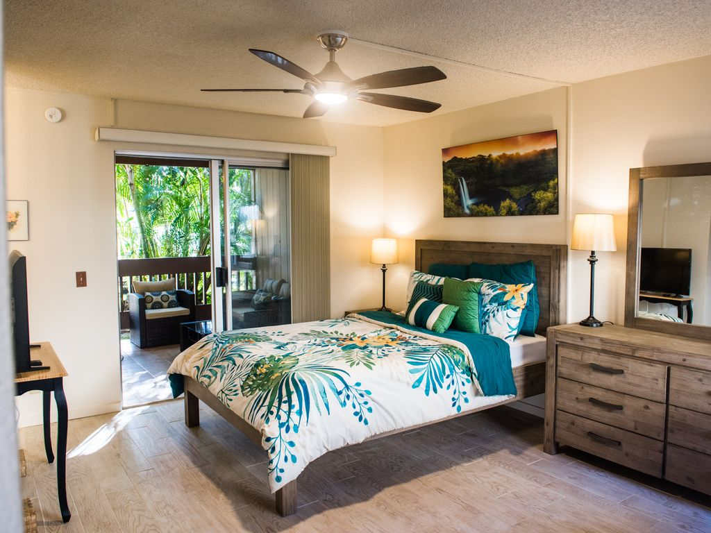 April 2-8 Sale! Princeville Sands Studio with Pool and Hot Tub