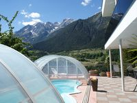 Excellent accommodation with fantastic views with great hosts.