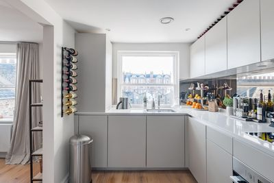 fully equipped kitchen with beautiful views over Marylebone