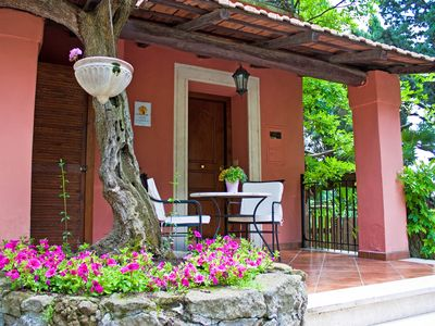 Photo for Charming and Romantic Cottage hill nearby Rome