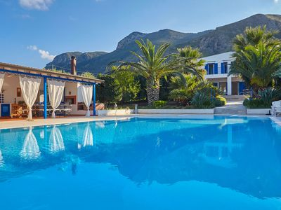 Photo for Villa Blue House with swimming pool. Paradise between sky and sea