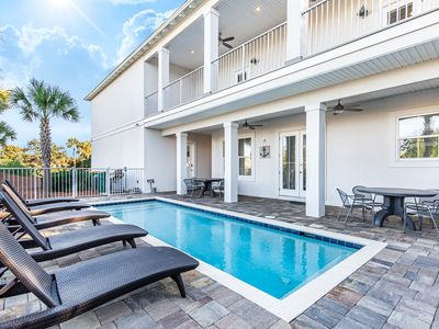 Photo for 7BR w/PRIVATE Pool-Golf Cart- 4 Bikes ☼Inspected & Disinfected☼ Luxury Sea Pearl
