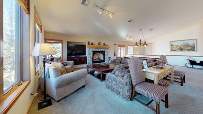 Photo for 5 Bedroom townhome with stunning mountain views & surroundings-quiet retreat!