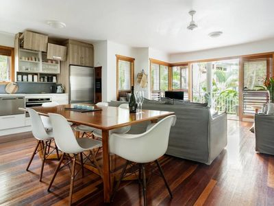 Photo for Luxe Noosa 1 Bed Apt 5 Mins From Hastings St And The River *WIFI*4 Pools*Day Spa