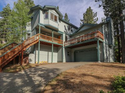 Photo for Large and Peaceful Mountain Home. Minutes to the lake and hiking trails!