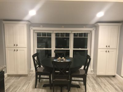 Table opens up to fit six