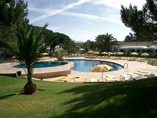 Pool and restaurant (20 metres from villa)