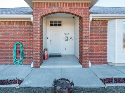 Photo for 3 Bed 2 Bath 2 Car Garage Fully Furnished In Convenient Location