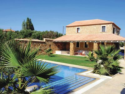 Photo for 3BR Villa Vacation Rental in Beloussi