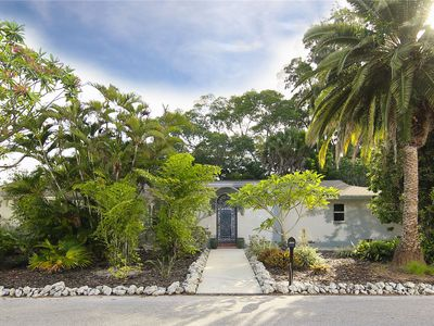 Photo for Charming home in Longbeach Village, only a 5 minute walk to beach access or bay!