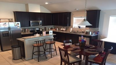 Photo for 2BR House 10-15 Min From Pearland, NRG, Midtown/Downtown