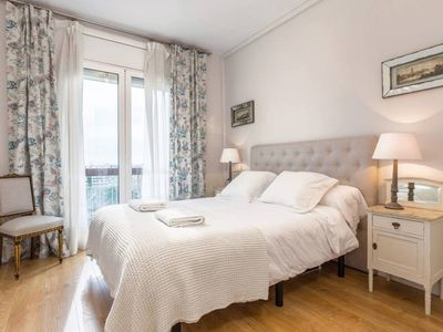 Photo for Casa Camelies apartment close to Park Guell- FREE WIFI
