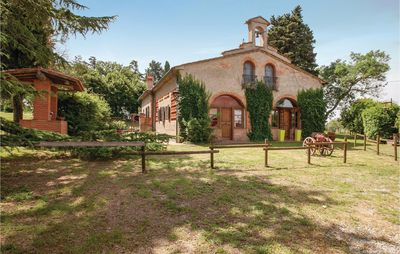 Photo for 6 bedroom accommodation in Crespina PI