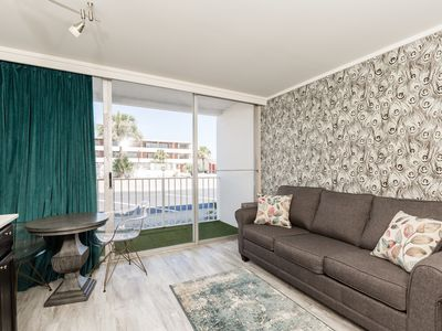 Photo for Spacious, Renovated Suite with Balcony   Access to Tiki Area + Pool