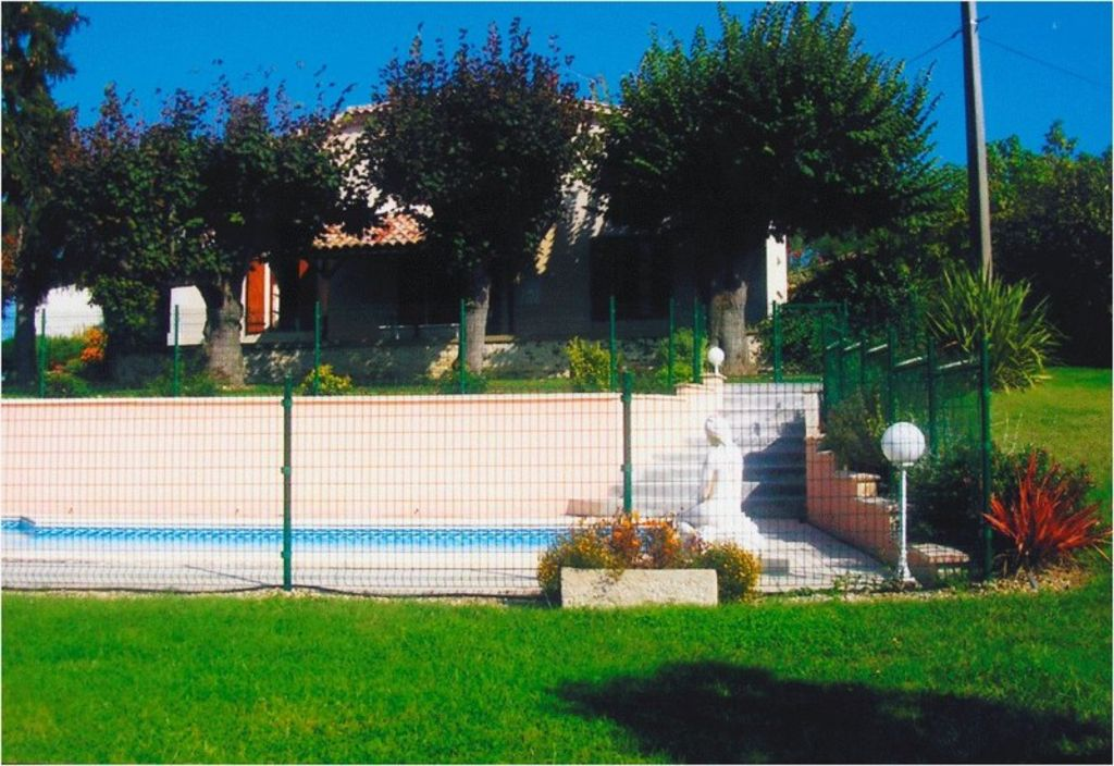 Maison gite de campagne avec piscine et grand parc lot et garonne 1371585 abritel for Piscine grand parc