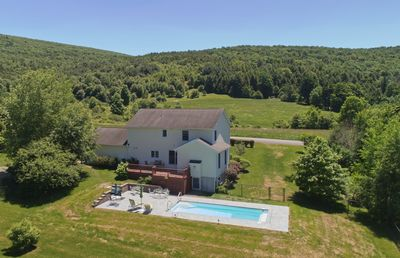 Pool, Patio and the Perfect Location...4 miles to Dreams Park and to Cooperstown
