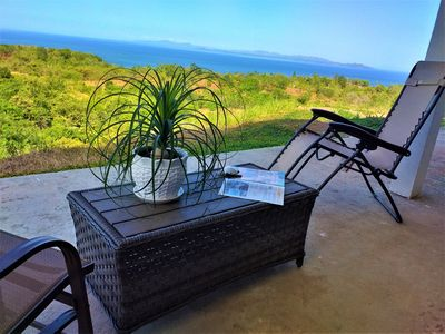 Large 2 BD/ 3BA Condo with Ocean Sunset Views, 3 mins to the Beach - AP1