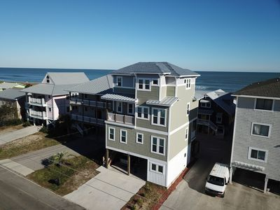 Photo for *Built 2018* Awesome 3-story home - 4 bedrm, 3 king beds, master suite, lg deck