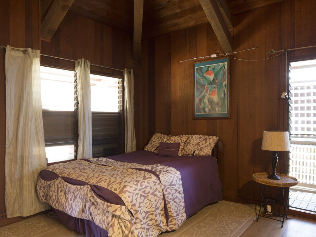 Property Image#3 Beautiful Redwood Master Bedroom Suite Apartment , Quiet,  Close To Everything
