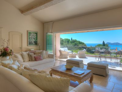 Photo for BEAUTIFUL VILLA, QUIET LOCATION, RAMATUELLE, POOL, SEA VIEWS, BEACH ACCESS