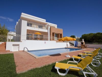 Photo for Villa Bianca - 4 bedroom villa with pool and Sea Views near to Albufeira
