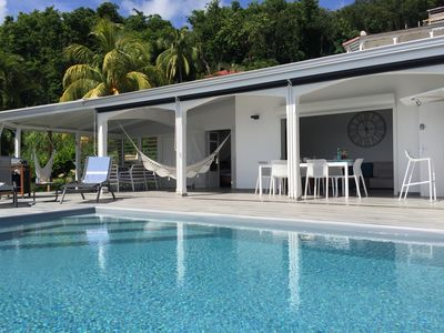 Photo for Magnificent luxury villa for 6 people with views of the Pigeon Islands